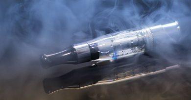 E-cigarrillos: Tan Dañinos como el Tabaco para<br>la Salud Bucodental